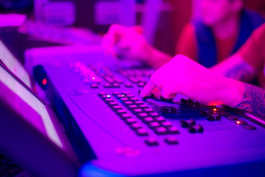 licht slide 01 - Technical Equipment