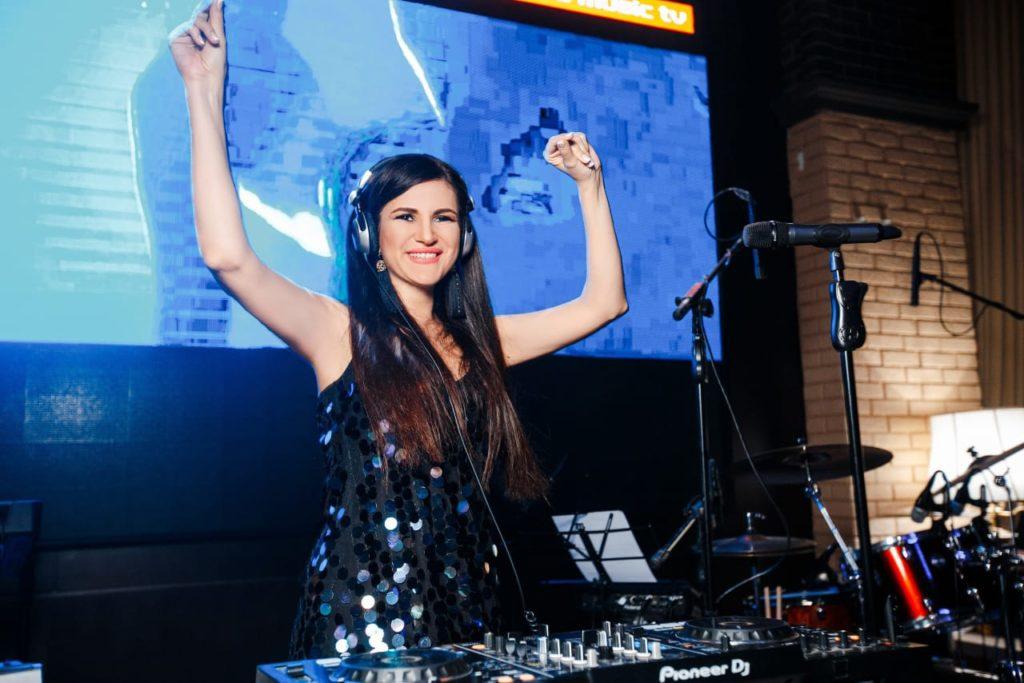DJ femaleDJs